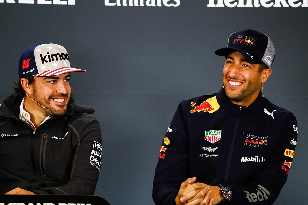 Ricciardo niet van plan auto aan Alonso af te staan
