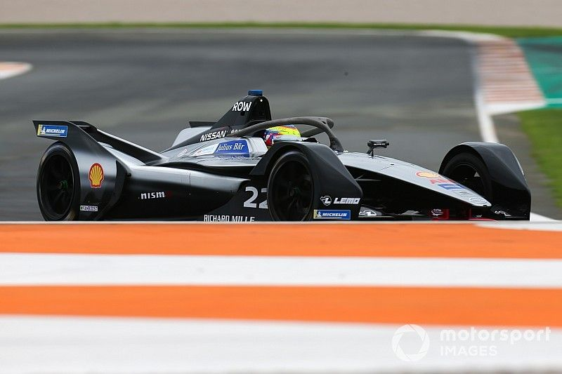 Nissan had '15 to 20' approaches for Albon seat