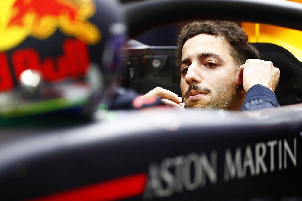 Ricciardo dejó de preocuparse por las estadísticas en la batalla con Verstappen