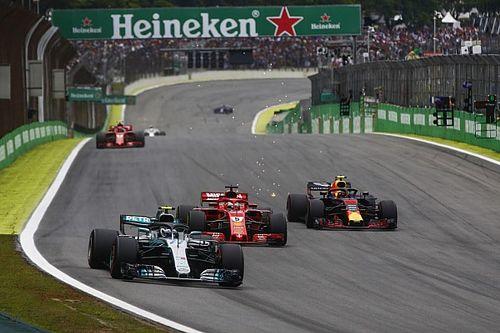 """Verstappen megint nekiment a 2-es táblának, Hamilton """"bontott"""" és esett: videó"""