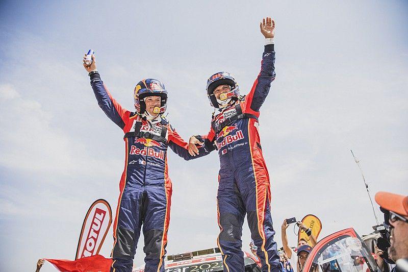 Sainz se lleva la última etapa del Dakar; Al Attiyah reina de nuevo y Roma es segundo