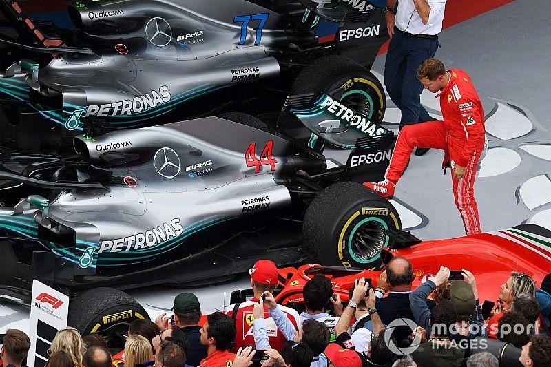 """Ricciardo: """"Hamilton ha sido más sólido que Vettel"""""""