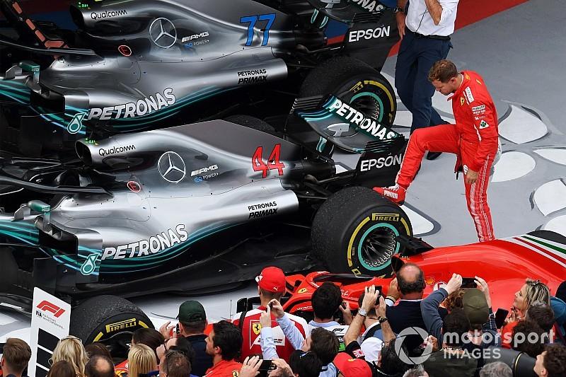 """Vettel """"megrugdosta"""" a győztes Mercedes kerekeit Szocsiban"""
