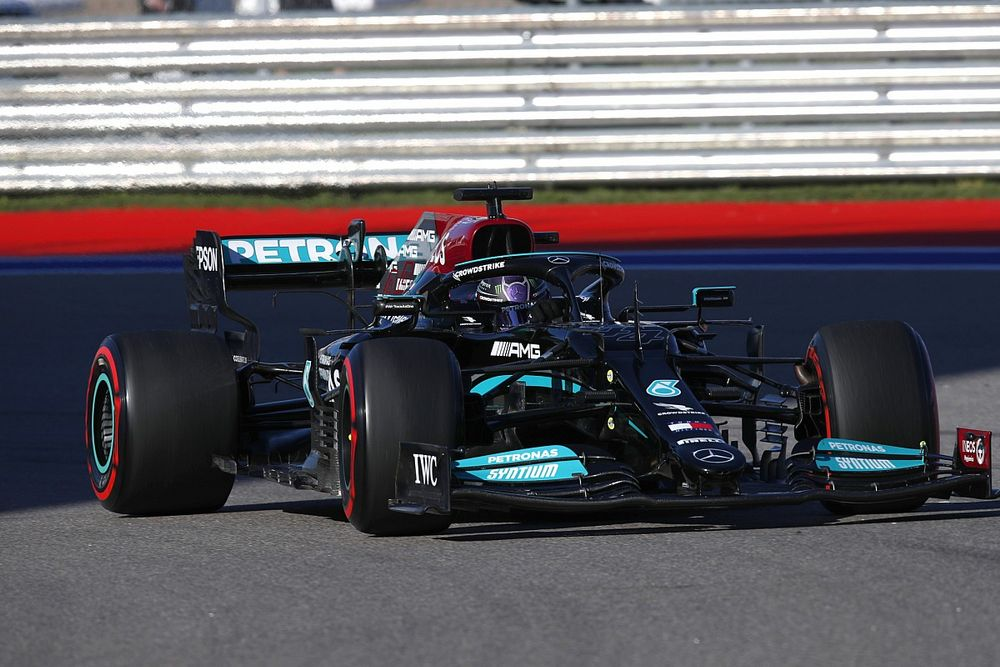 """McLaren says Mercedes in """"different league"""" in dry race pace"""
