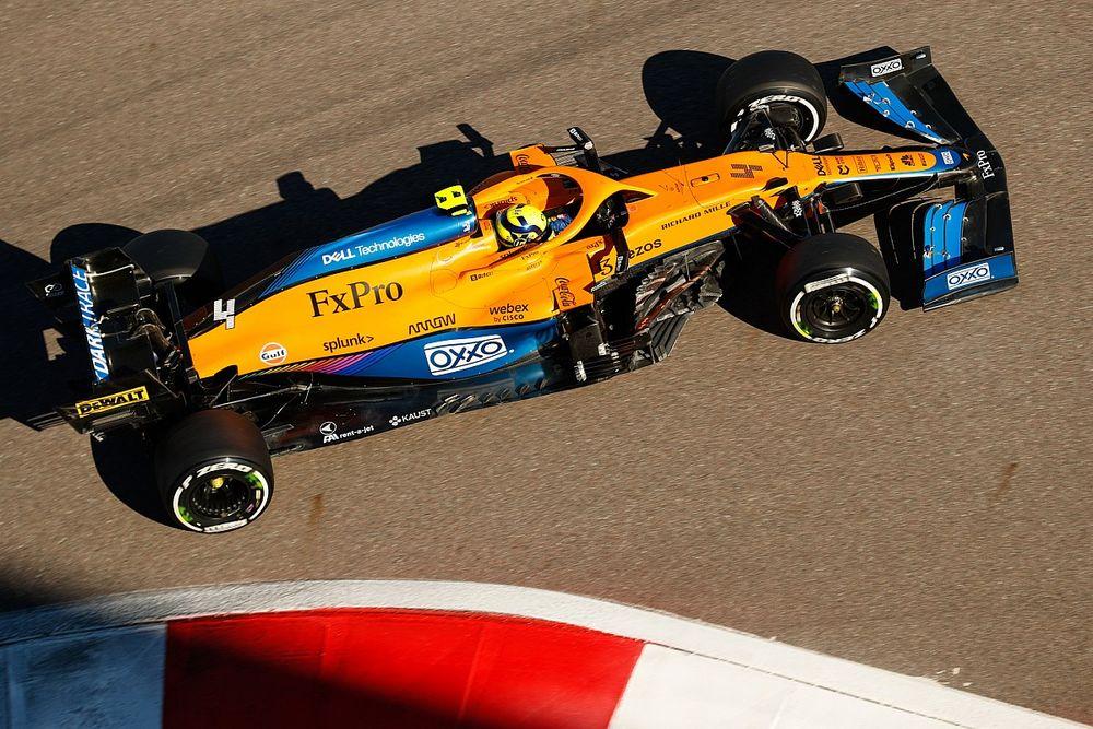 """McLaren: """"Mercedes'in kuru zemin performansı ayrı bir seviyede"""""""