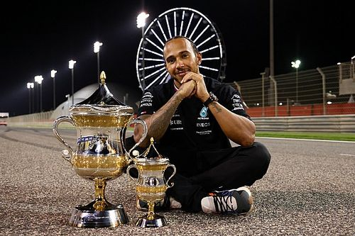 The clues Hamilton's F1 contract afterthought gives to his future