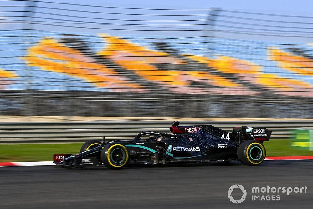 """Hamilton durissimo: """"Questo asfalto è una m***a !"""""""