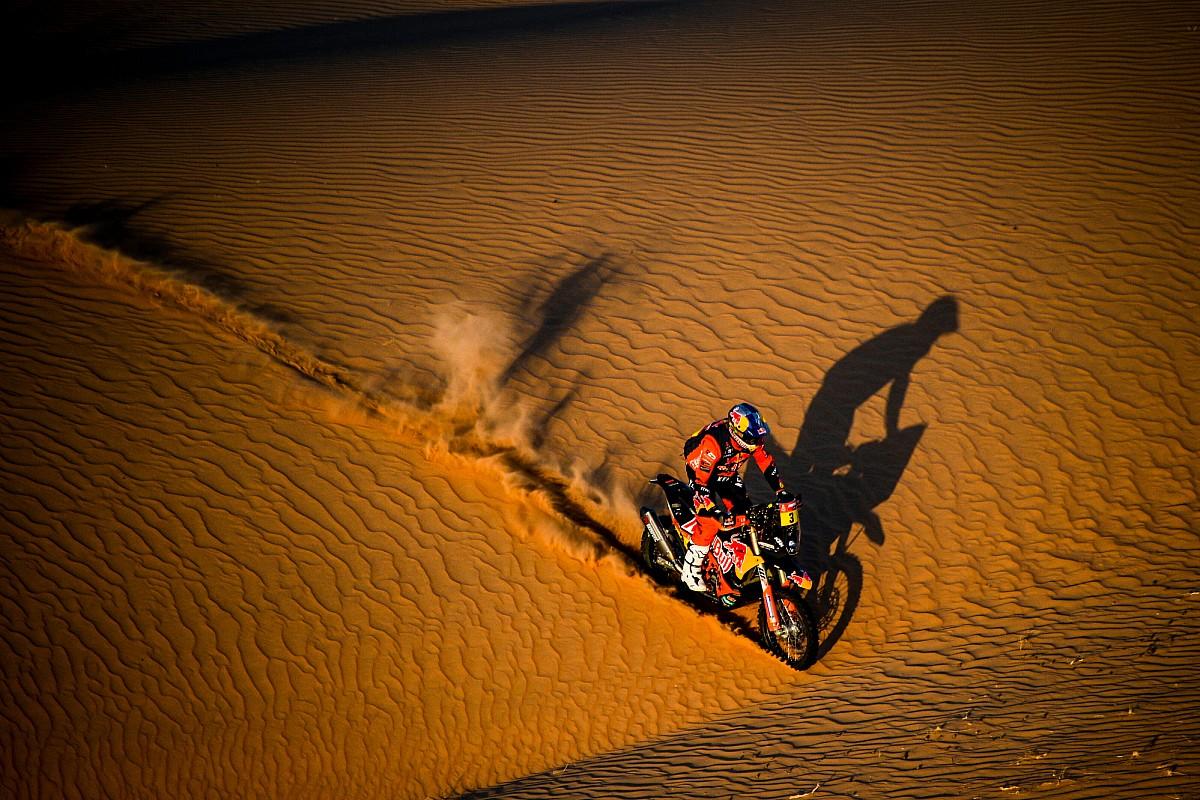 Dakar kazası sonrası Price'ın köprücük kemiği kırıldı