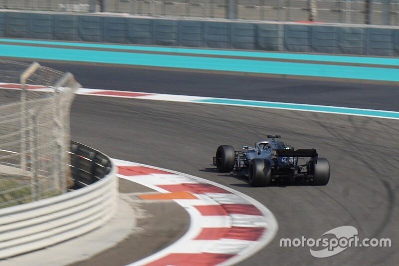 Расселл проехал 218 кругов на тестах 18-дюймовых шин с Mercedes