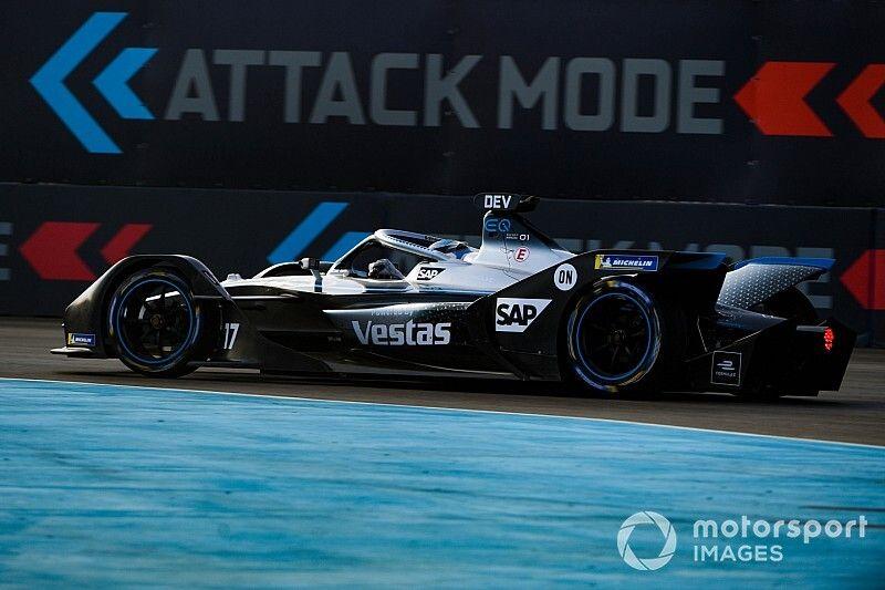 「本物のドライバーが乗ったマリオカート」メルセデスF1代表のFE評
