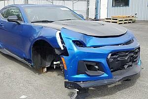Megvásárolható egy 100 kilométert sem futott, de komolyan megtört Camaro ZL1
