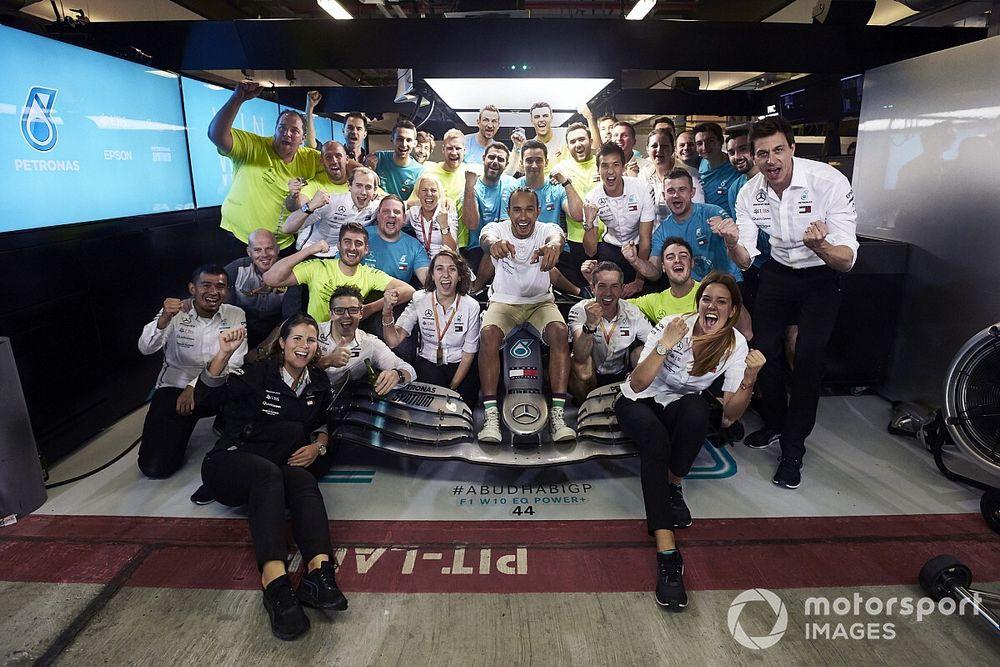 Команда Формулы 1 обошлась Mercedes в $176 млн