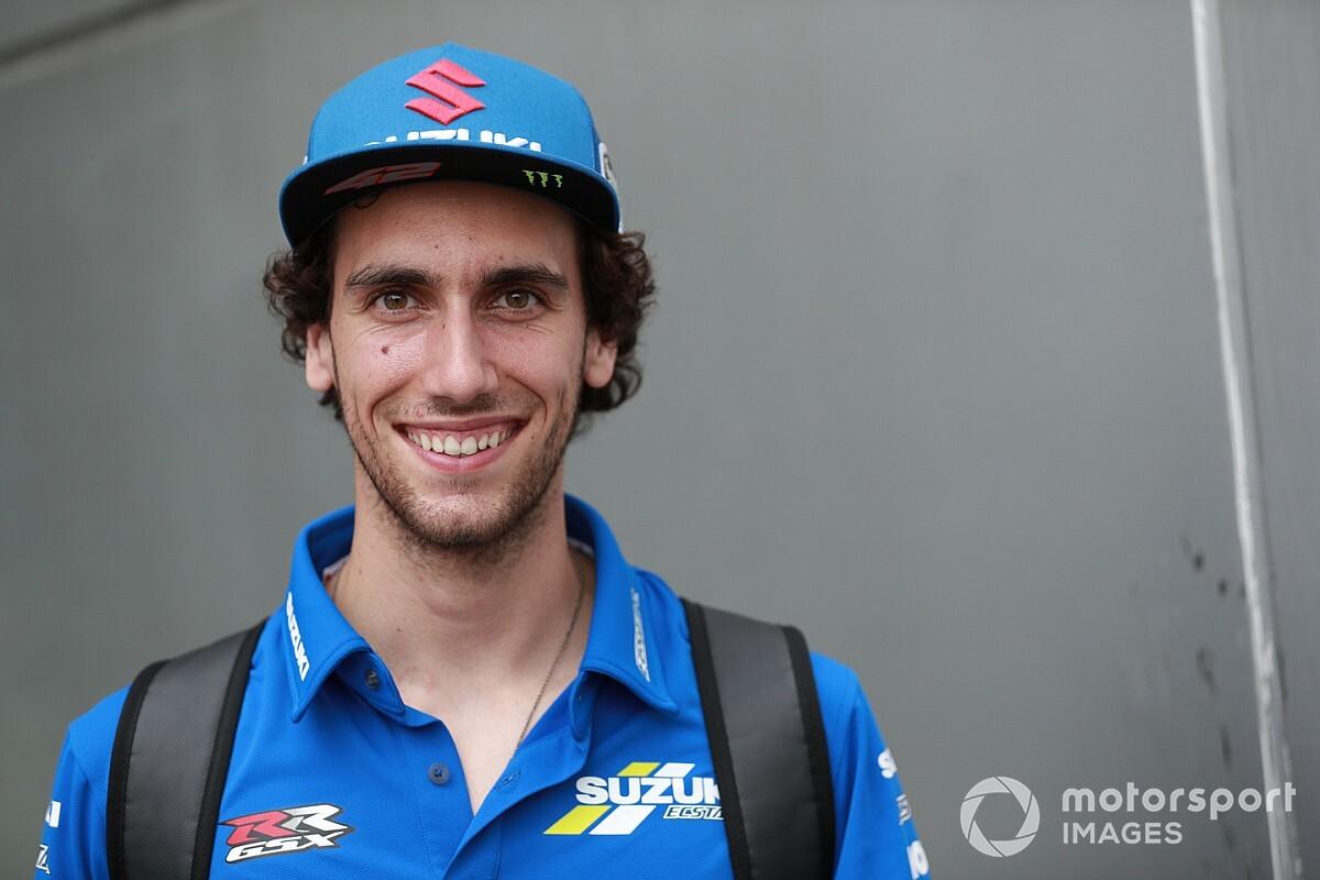 MotoGP: Rins mette all'asta il suo casco per la lotta al Covid