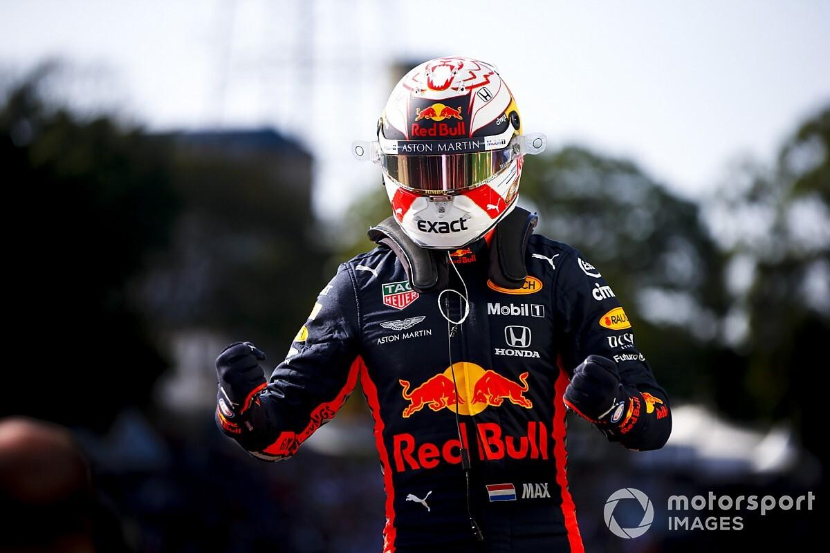 """فيرشتابن يطير بـ """"جوانح ريد بُل"""" محققًا الفوز بسباق البرازيل الجنوني"""