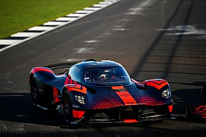 "Verstappen tests ""insane"" Valkyrie hypercar"