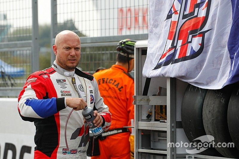 Huff announces he won't race in WTCR in 2020