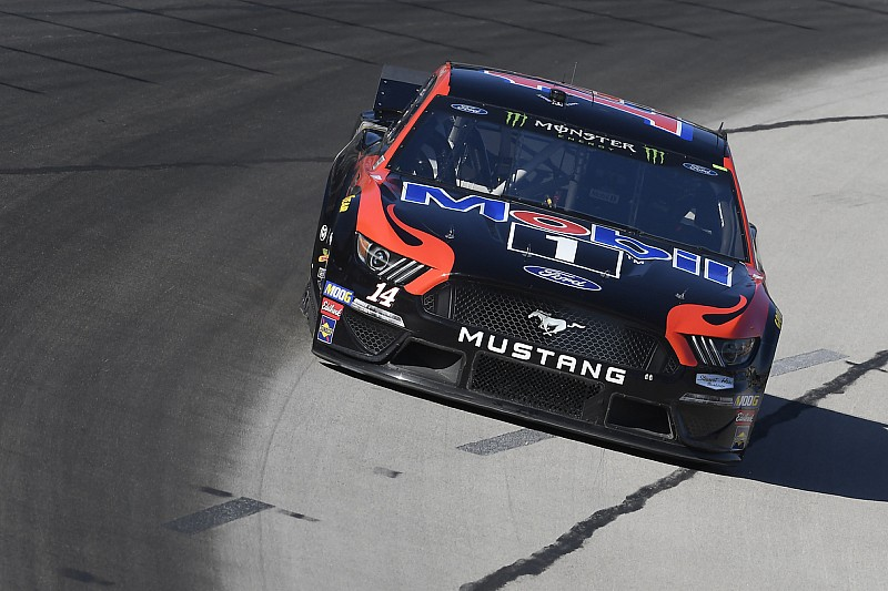Clint Bowyer tops Friday's first Cup practice at Texas