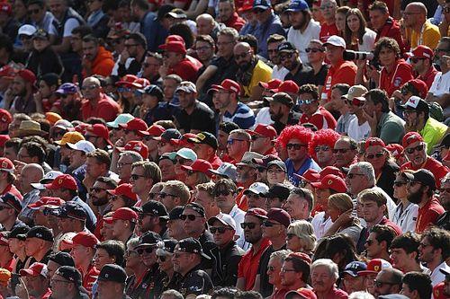 F1-es rajongói fesztivál Los Angelesben Verstappennel, Ricciardóval és Bottasszal