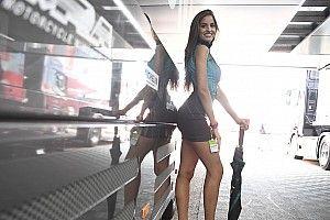 Fotogallery: le ombrelline del GP di Aragon di MotoGP