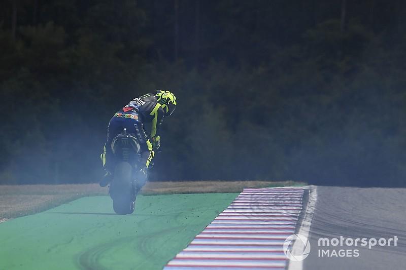 """La """"habilidad con el embrague"""" de Rossi evitó un desastre"""