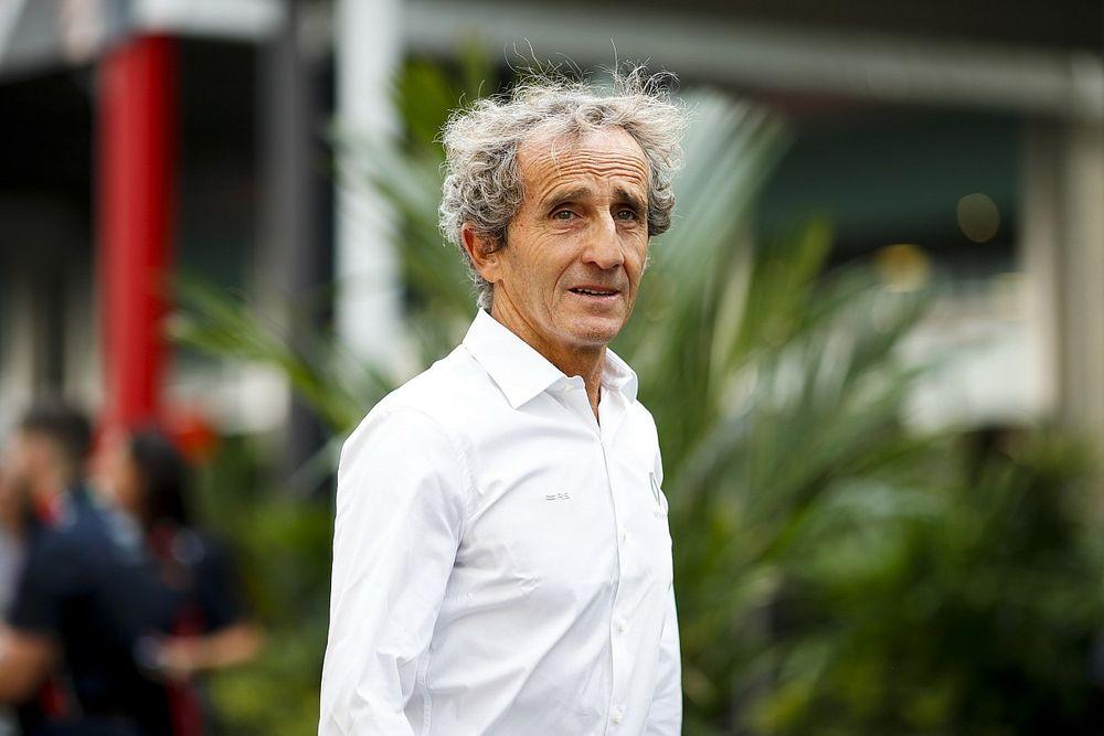 «Его вполне можно считать первым номером в Ferrari». Прост похвалил Леклера