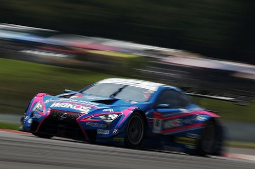 Fuji Super GT: Lexus steals victory from Nissan