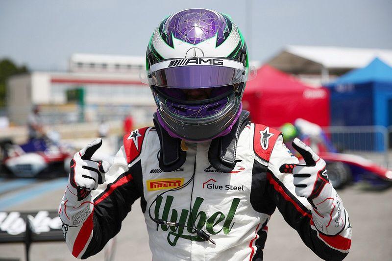 F3: Vesti supera a Hauger para llevarse la pole en Francia