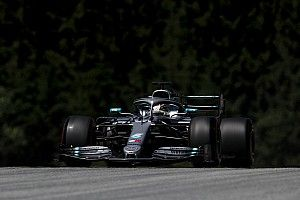 Austrian GP: Hamilton quickest as Vettel splits Mercedes in FP1