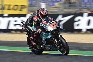 MotoGP Le Mans FT1: Quartararo vorn, Rossi fliegt die Kette davon