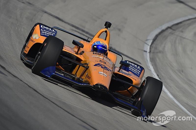 Alonso pályára gurult Texasban, készülvén az Indy 500-ra: képek, videó