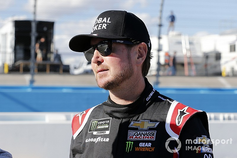 Kurt Busch continues to show the way for Chevrolet