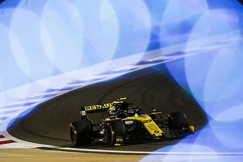 Delusione Renault: due ritiri nello stesso momento a tre giri dalla fine