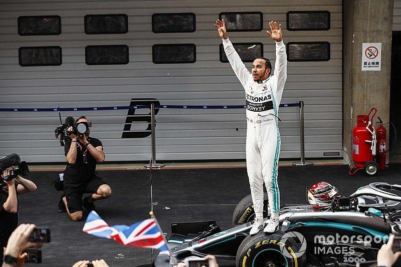 Hamilton gana la carrera mil de la Fórmula 1