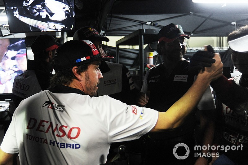 Alonso prueba el Toyota del Dakar en Sudáfrica