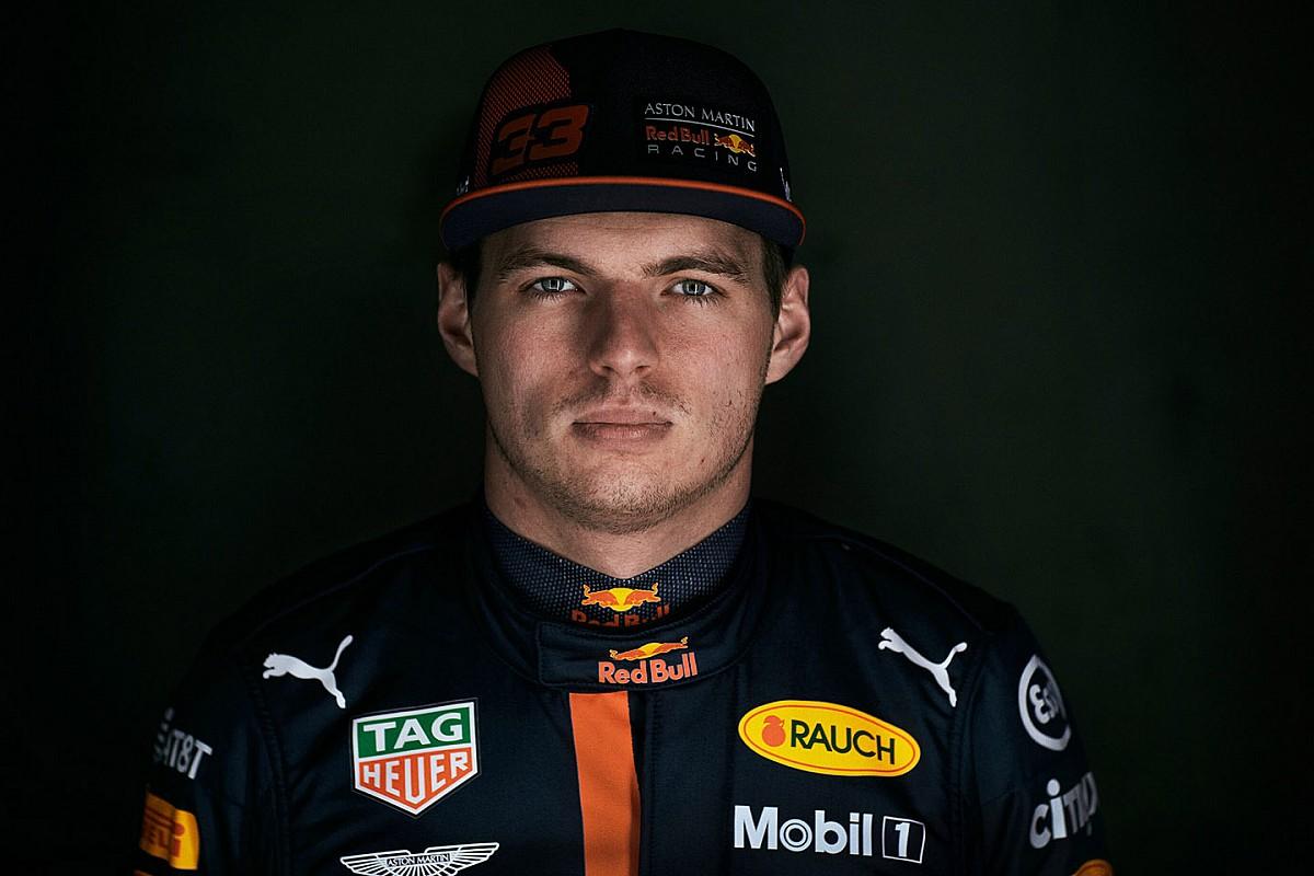 Ферстаппен предложил заменить судейские решения на драку гонщиков