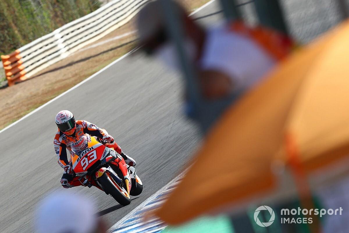 Vídeo: la salvaje caída de Marc Márquez en Jerez que acabó en lesión