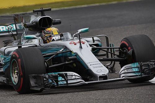 """Hamilton geniet op Suzuka: """"Een idioot ritje in de achtbaan"""""""