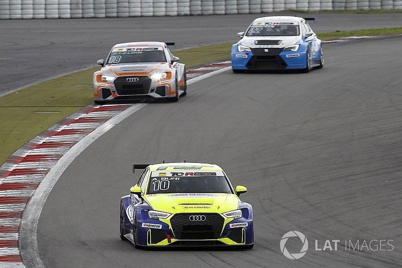 Antti Buri vince una Gara 2 piena di emozioni al Nürburgring