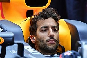 "Ricciardo: Poor 2017 start ""another wake-up call"" for Red Bull"