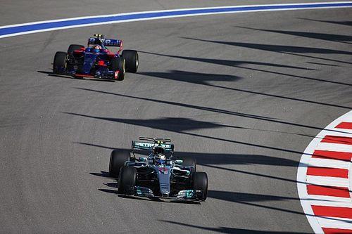 """Le moteur Renault à 0""""3 du Mercedes? Sainz a failli en rire!"""