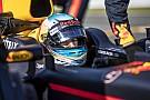 Vettel elég babonás, mondja Ricciardo