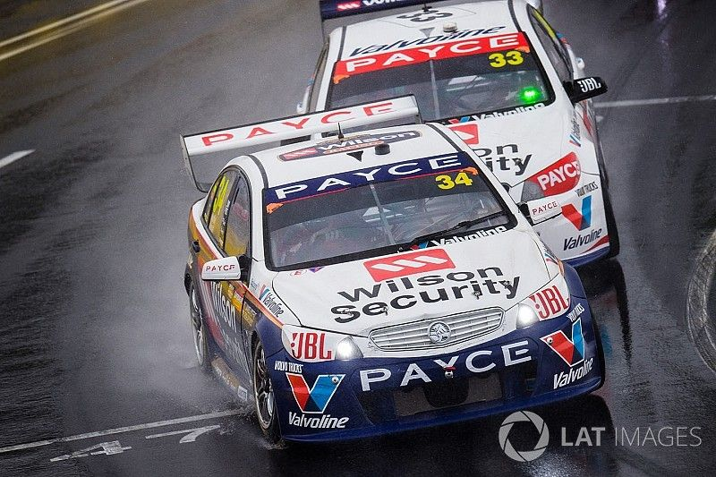 Moffat 'confused' by costly Bathurst crashes