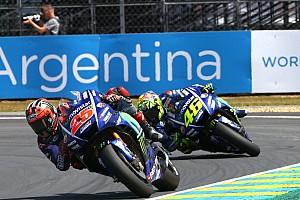 Memotong trek, Rossi tuding Vinales sedikit curang