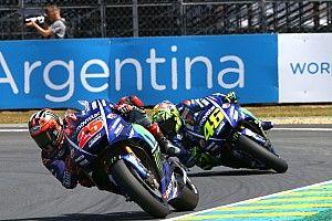 Memotong lintasan, Rossi tuding Vinales sedikit curang