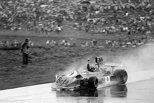 F1 tarihinde bugün: Brambilla, F1'deki ilk zaferini alıyor!