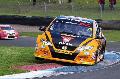 Knockhill BTCC: Neal sneaks through for Race 2 win in epic battle