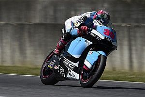 Salom taken to hospital after Moto2 practice crash