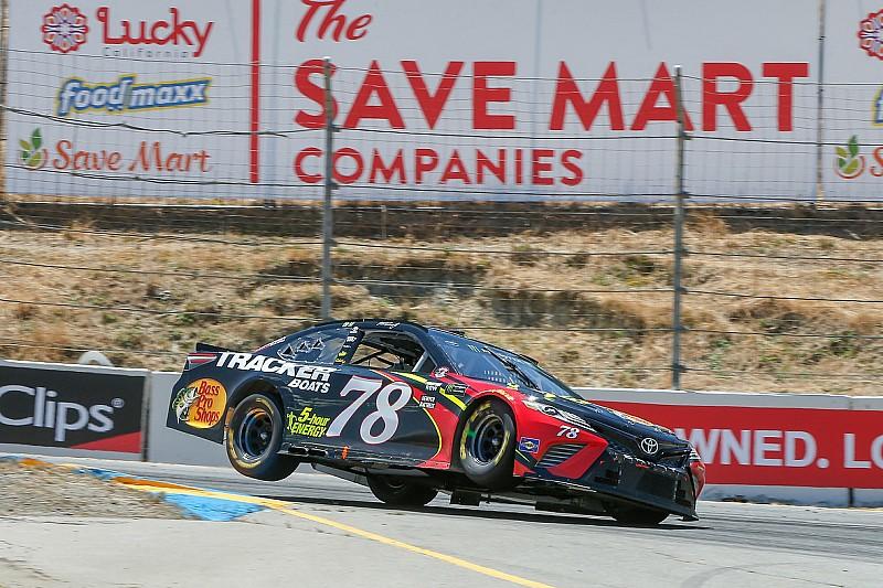 Труэкс выиграл гонку NASCAR в Сономе, обхитрив главного соперника при помощи радиопереговоров