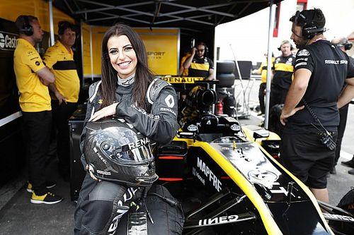 Jajal mobil F1 tandai hari bersejarah perempuan Arab Saudi