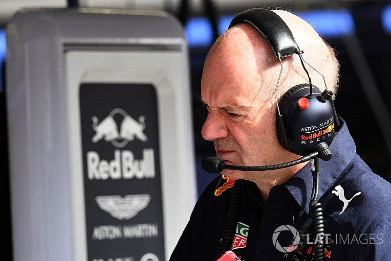 Renault descarta haber intentado seducir a Newey